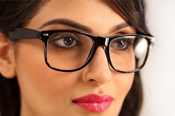 seminario-de-como-maquillarse-si-llevas-gafas