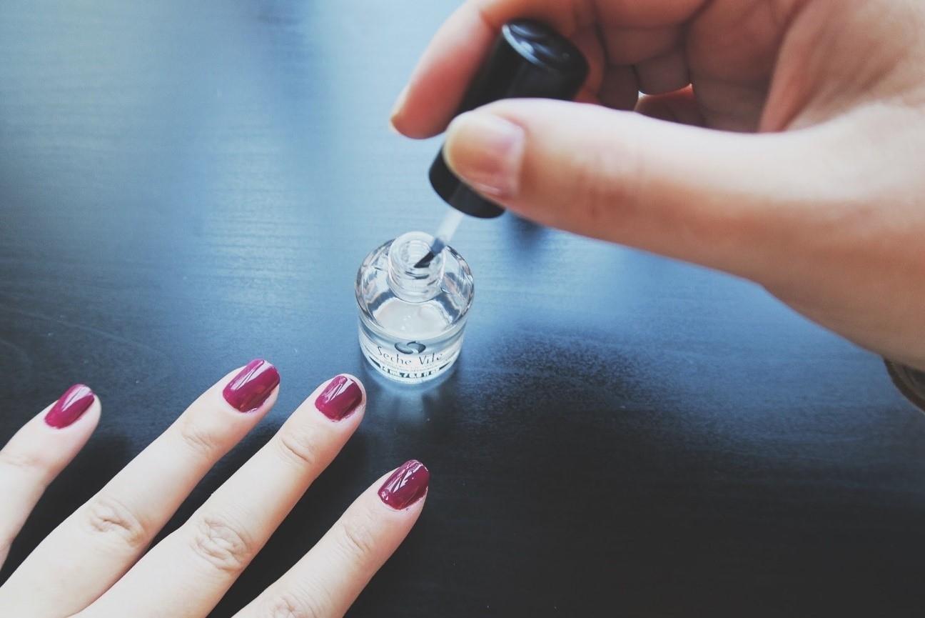 Algunos consejos sobre el pintado de uñas