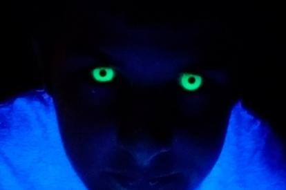 Caracterización lentillas - Efecto fluorescente