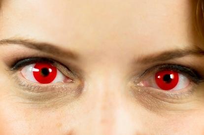 Caracterización lentillas - Vampiros - Ojos rojos