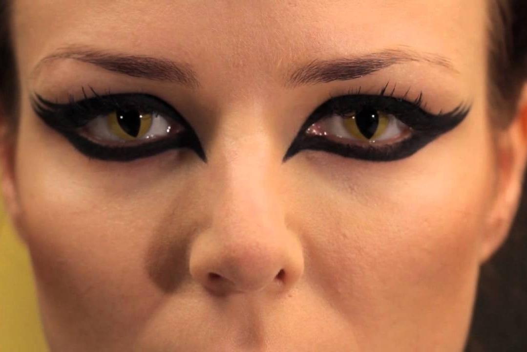 Para la caracterización profesional necesitas lentillas de colores o con efectos