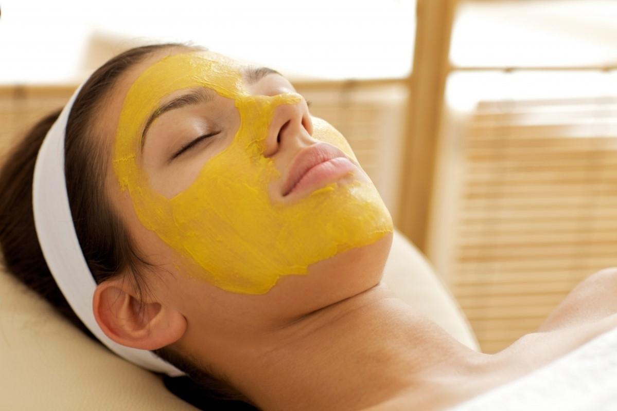 ¿Cómo y cuándo usar mascarilla facial? Consejos y pautas