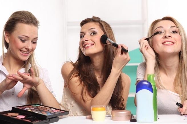 Compartir maquillaje con otras personas