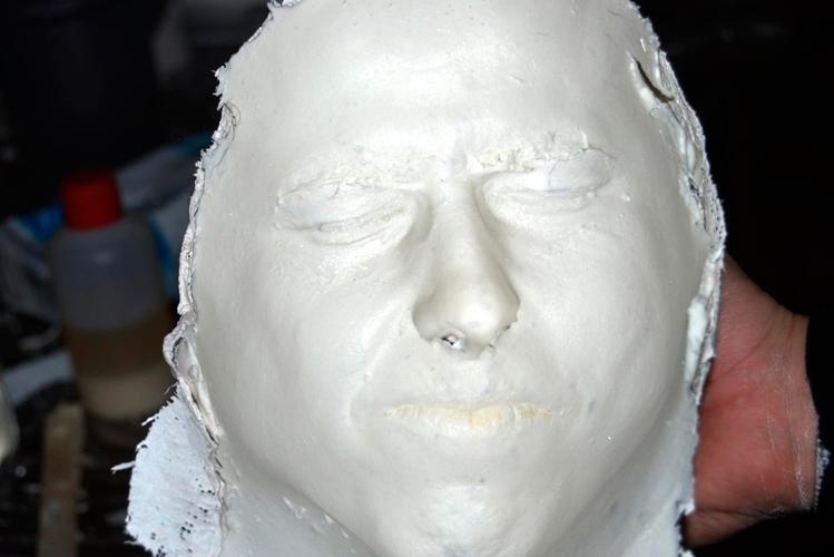 El Látex líquido sirve para crear mascaras para la piel