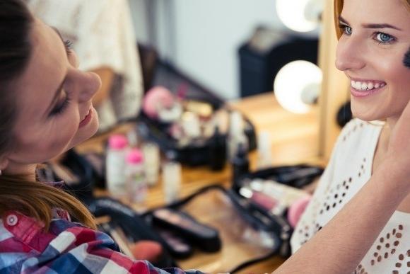Maquilladores profesionales en bodas, bautizos, comuniones