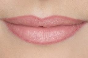 Maquillaje permanente en los labios