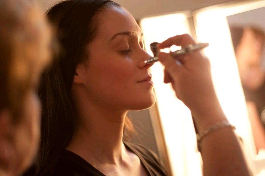 Origenes de la técnica del maquillaje con aerógrafo