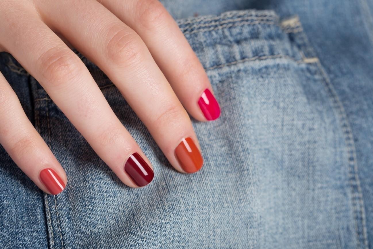 ¿Por qué pintarse las uñas?
