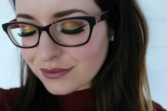 Trucos en el maquillaje para mujeres con gafas