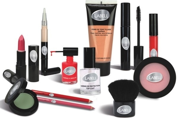 Utilizar cosméticos que contienen componentes peligrosos o nocivos