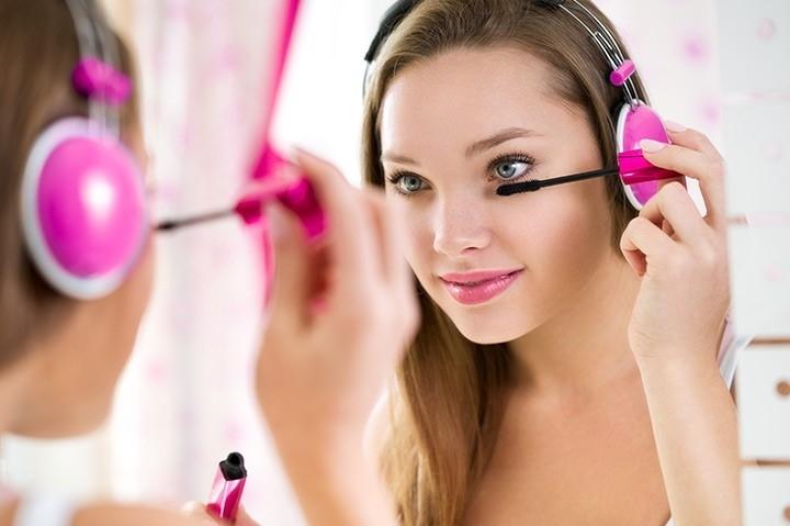 Utilizar maquillaje a edades muy tempranas